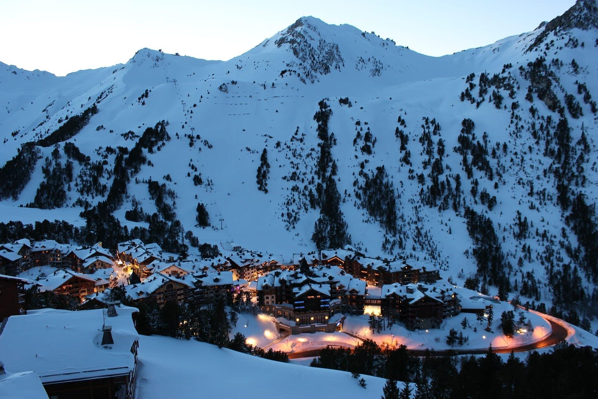 Mountainside Town